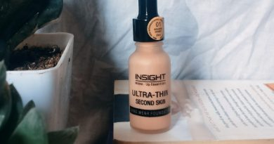 insight-ultra-thin-second-skin-long-wear-foundation-review