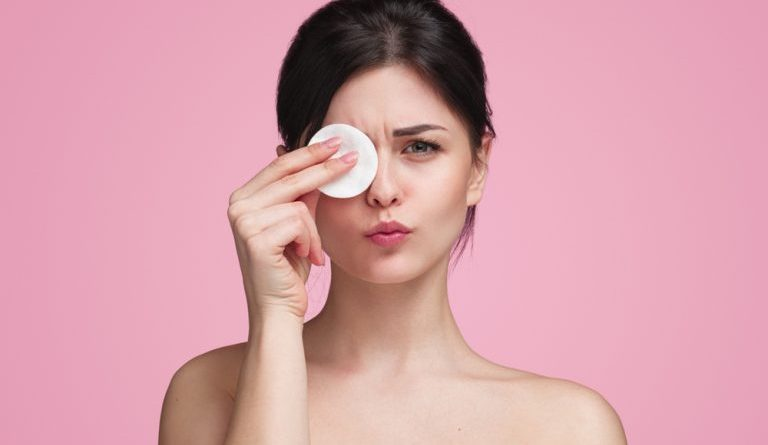 Best Makeup Remover Water and Wipes in India