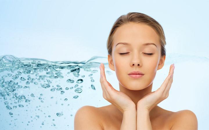 benefits-of-aha-glow-face-wash-oily-skin