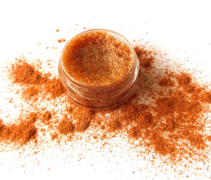 DIY-cinnamon-lip-scrub