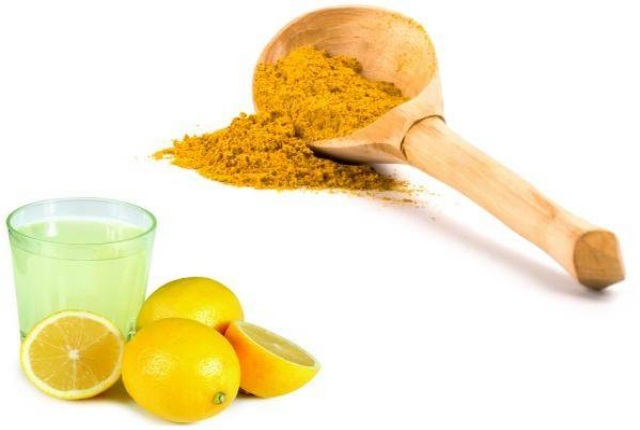 Lemon-Juice-And-Turmeric