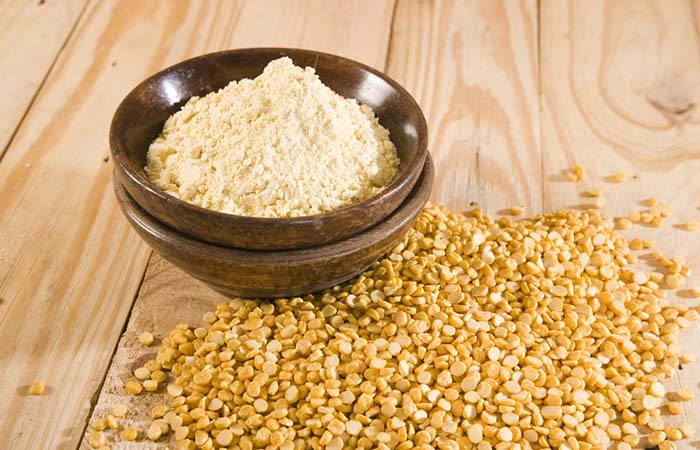 Sandalwood and Gram Flour Face Pack