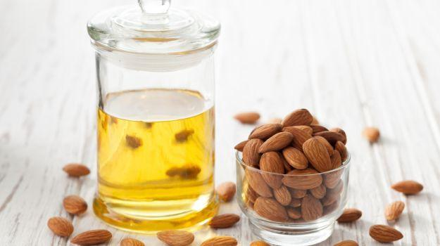 almond oil cocoa butter face mask
