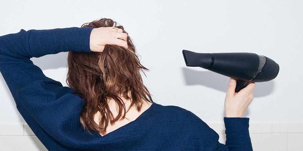 hair-Dryer-in winter