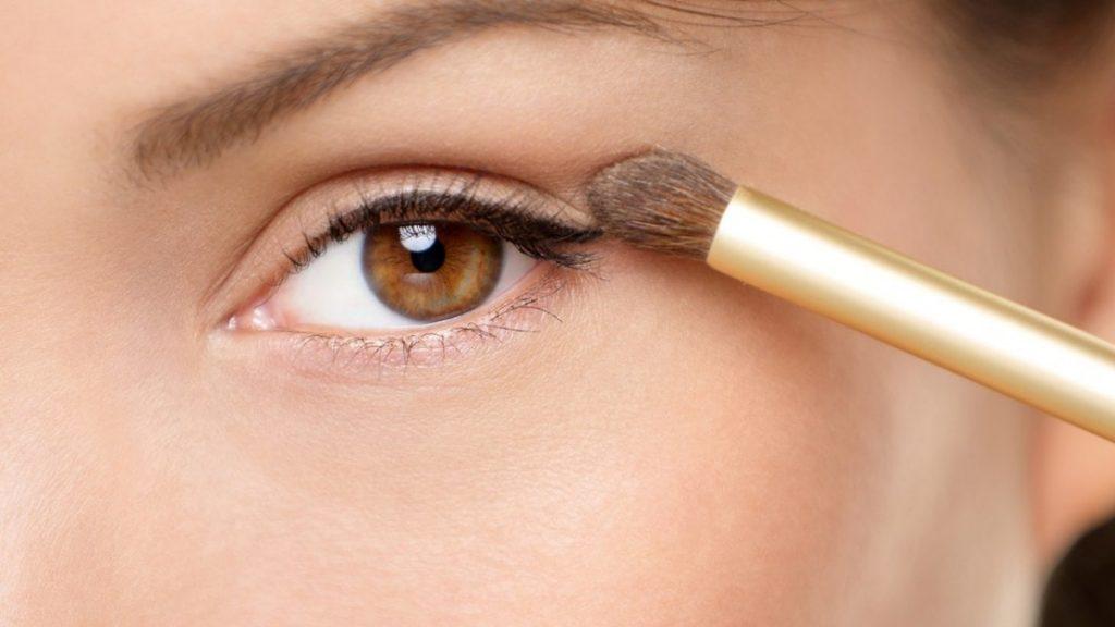 primer on eyelids