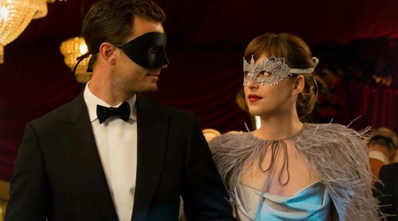 How To Dress For A Masquerade Ball?