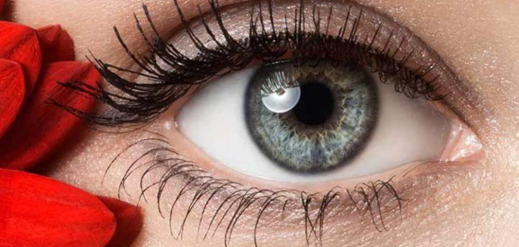 what does eye serum do