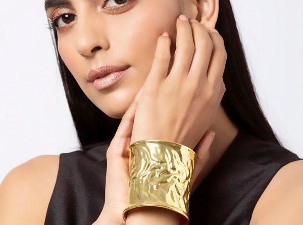 what is a cuff bracelet